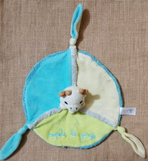 doudou sophie la girafe plat rond bleu blanc et vert vulli. Black Bedroom Furniture Sets. Home Design Ideas